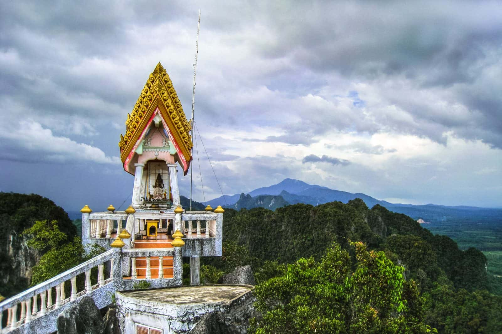 Tiger Cave Temple, Краби